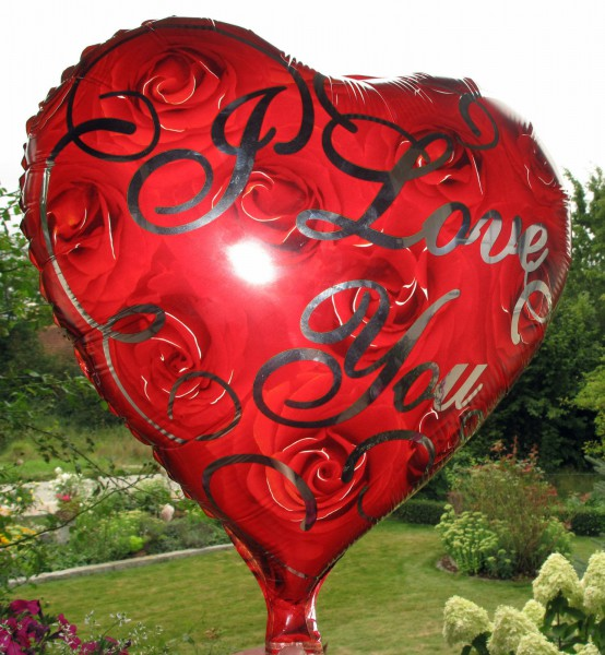 "Hochzeitsballon Ballonherz ""I love you"" mit Rosen-Motiv"""